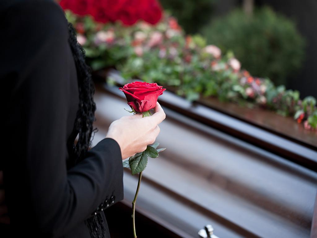 liebevoll Abschied nehmen bei End und Blank Bestattungen