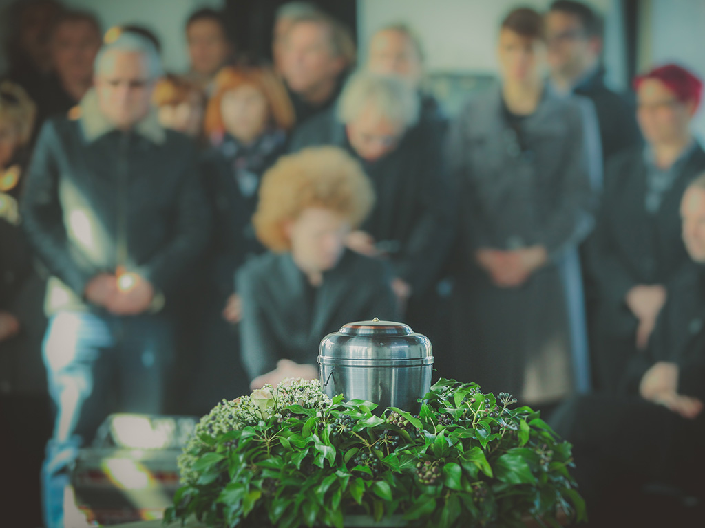 Urnenbeisetzung bei End und Blank Bestattungen